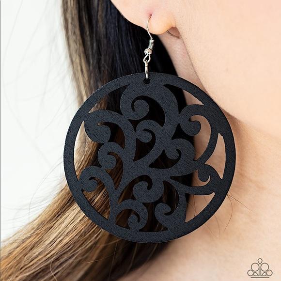 ❤️🔥5/$25❤️🔥Fresh Off The Vine - Black Earrings